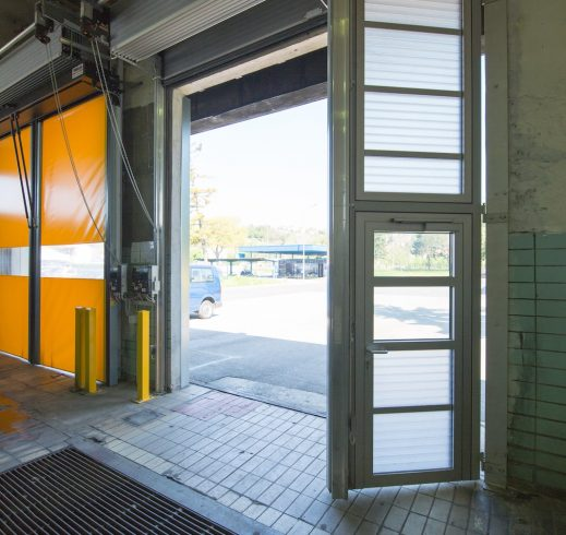 industrijska-sekcijska-brzootvarajuca-blok-vrata-spacelite-ht40-novosprint-syncro-specijalne-izvedbe-zet-1