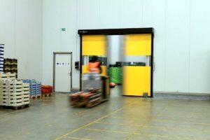 Brzootvarajuća vrata Novosprint Syncro. Najbrža industrijska vrata na svijetu s brzinom otvaranja do 5 m/s.