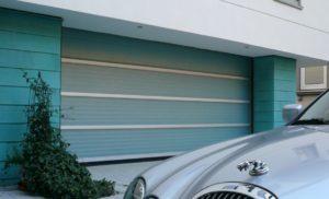 Sekcijska vrata Sectiolite ST40 kombiniraju podiznu tehnologiju otvaranja s prednostima fiberglass svjetlopropusnih panela. Sectiolite ST40 su više od običnih sekcijskih vrata.