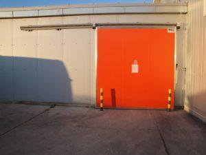 Industrijska hladionička vrata koja garantiraju visoku energetsku učinkovitost.